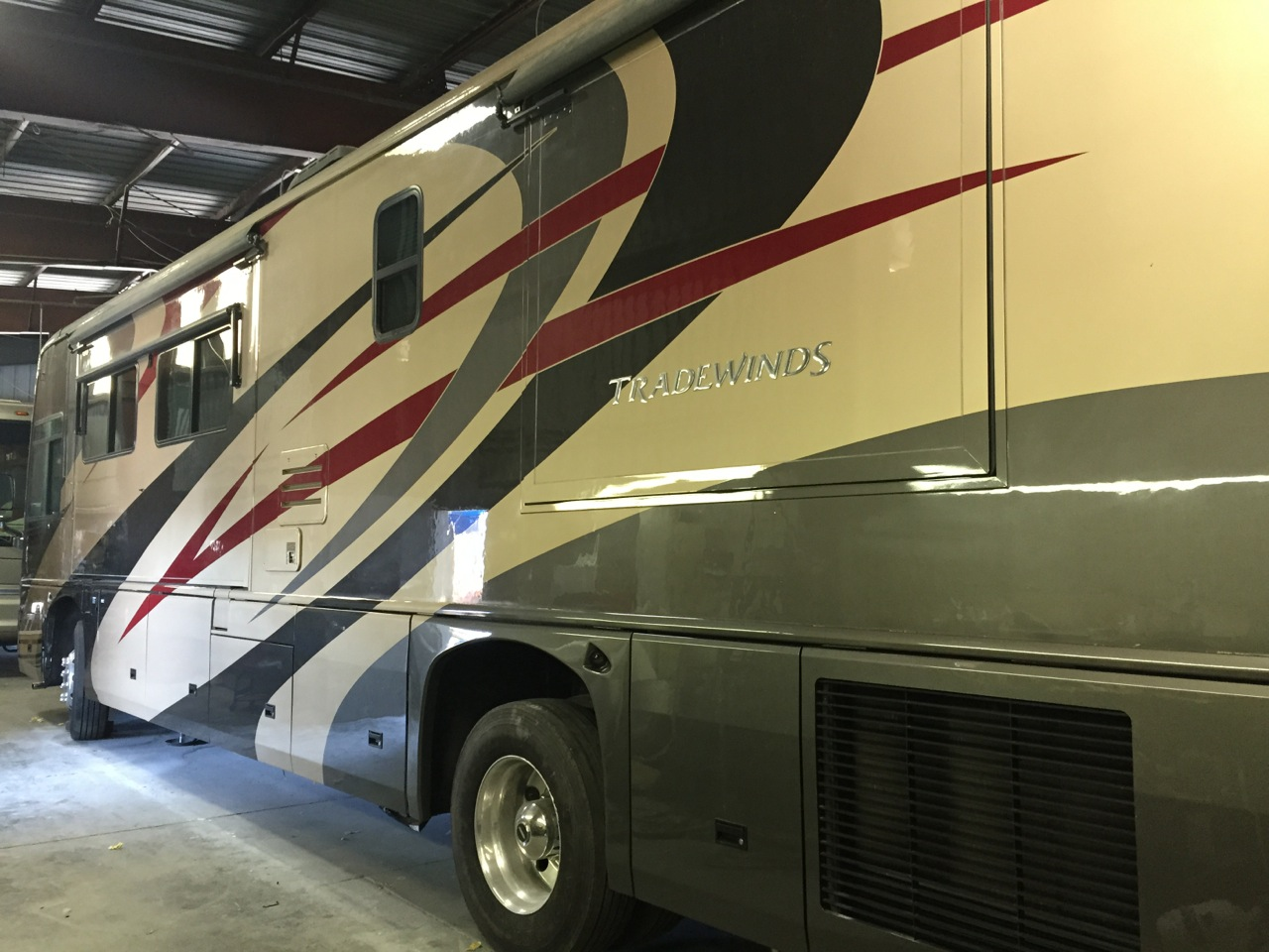 Awesome 2014 Fleetwood Bounder 35K Motorhome Like This One